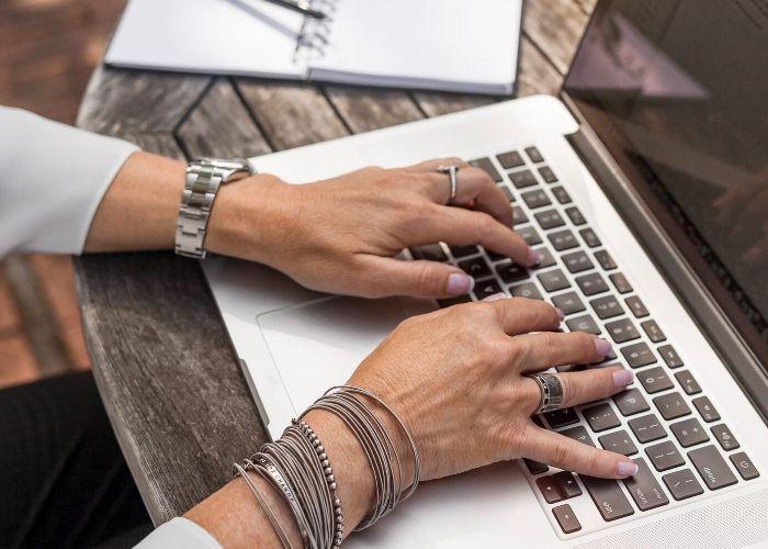 Register for the Facilitating Virtual Talent Review Meetings Webinar
